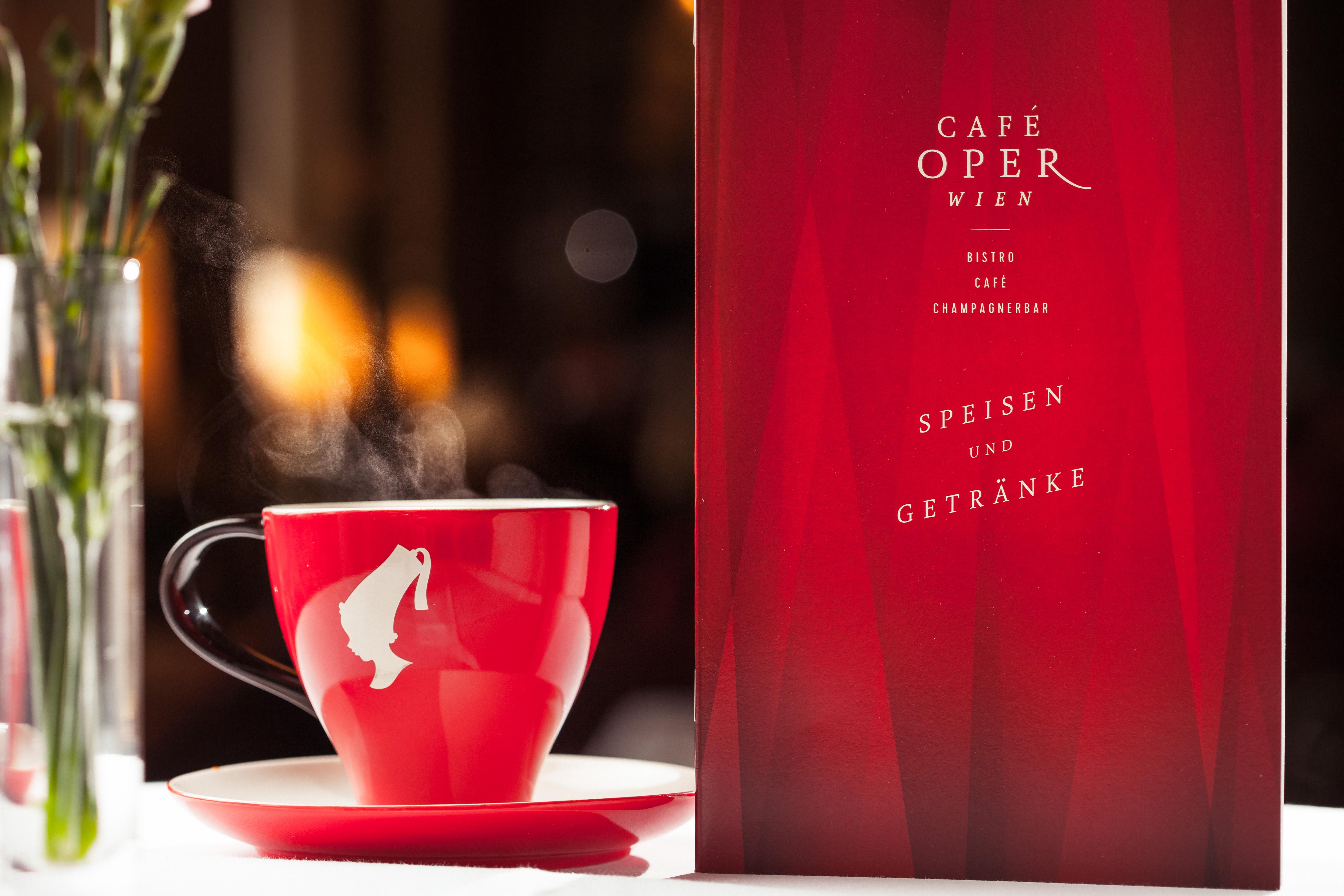 Meinl Premium Kaffee im Café Oper Wien
